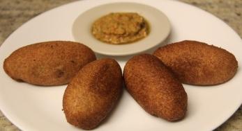 आलु पनीर - ब्रेड रोल Aloo Paneer - Bread Roll